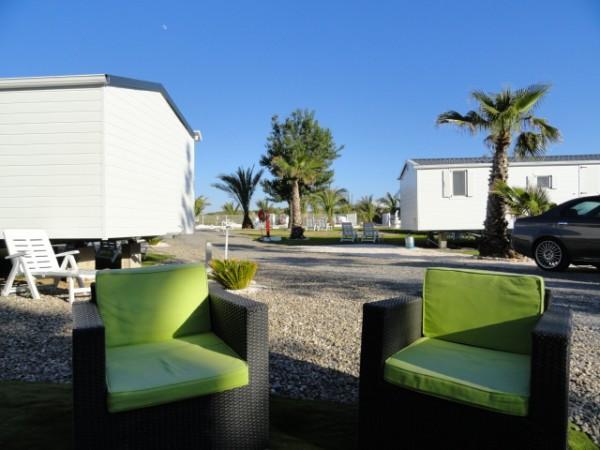salon de jardin ext rieur location vacances mobil home de luxe s rignan plage. Black Bedroom Furniture Sets. Home Design Ideas